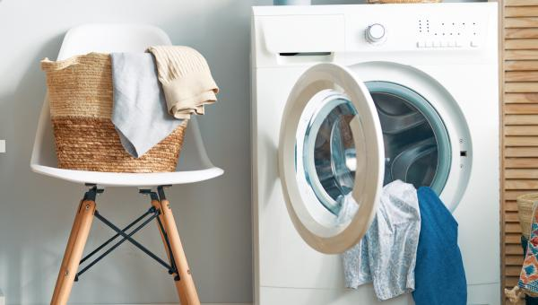 7 Uses for Laundry Detergent You Never Thought Of