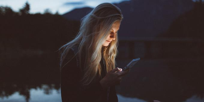 3 reasons why your sales team should text instead of cold calling