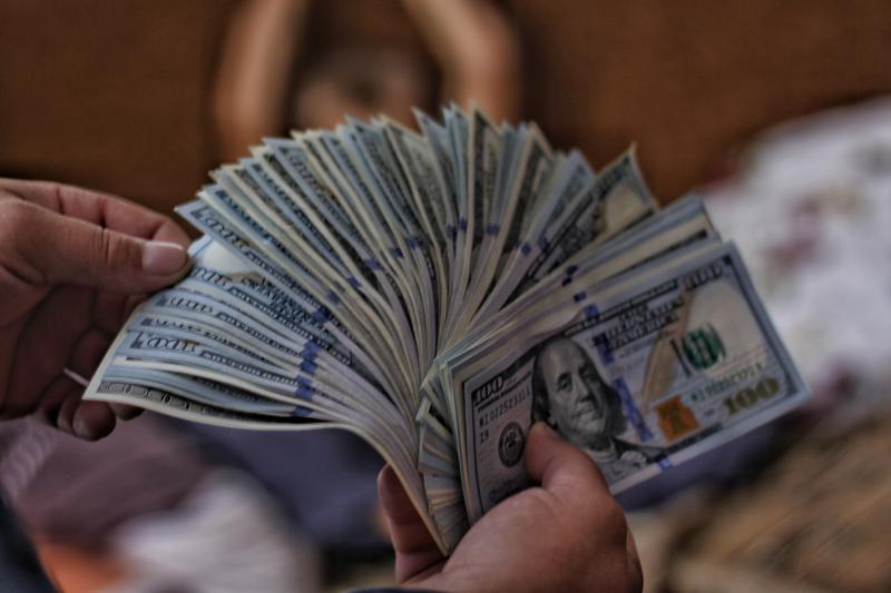100 US dollar banknotes