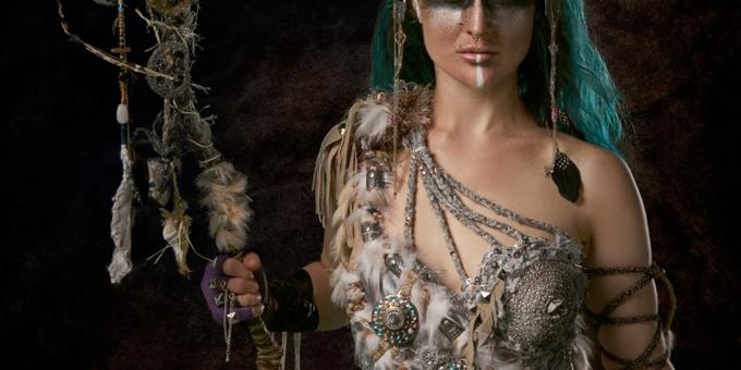 5 Reasons To Get A Psychic Medium Reading This Halloween