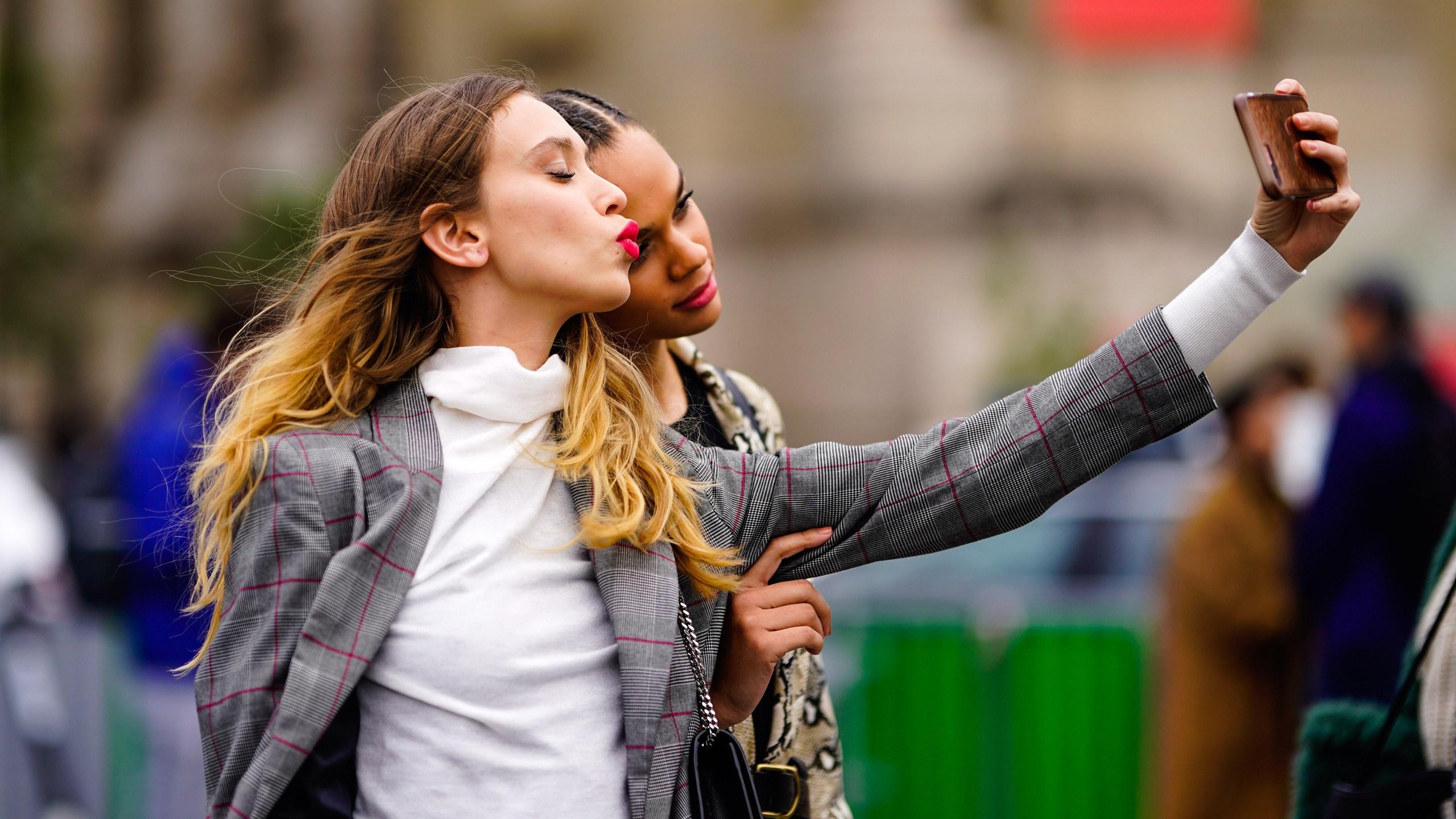 Social influencer selfie