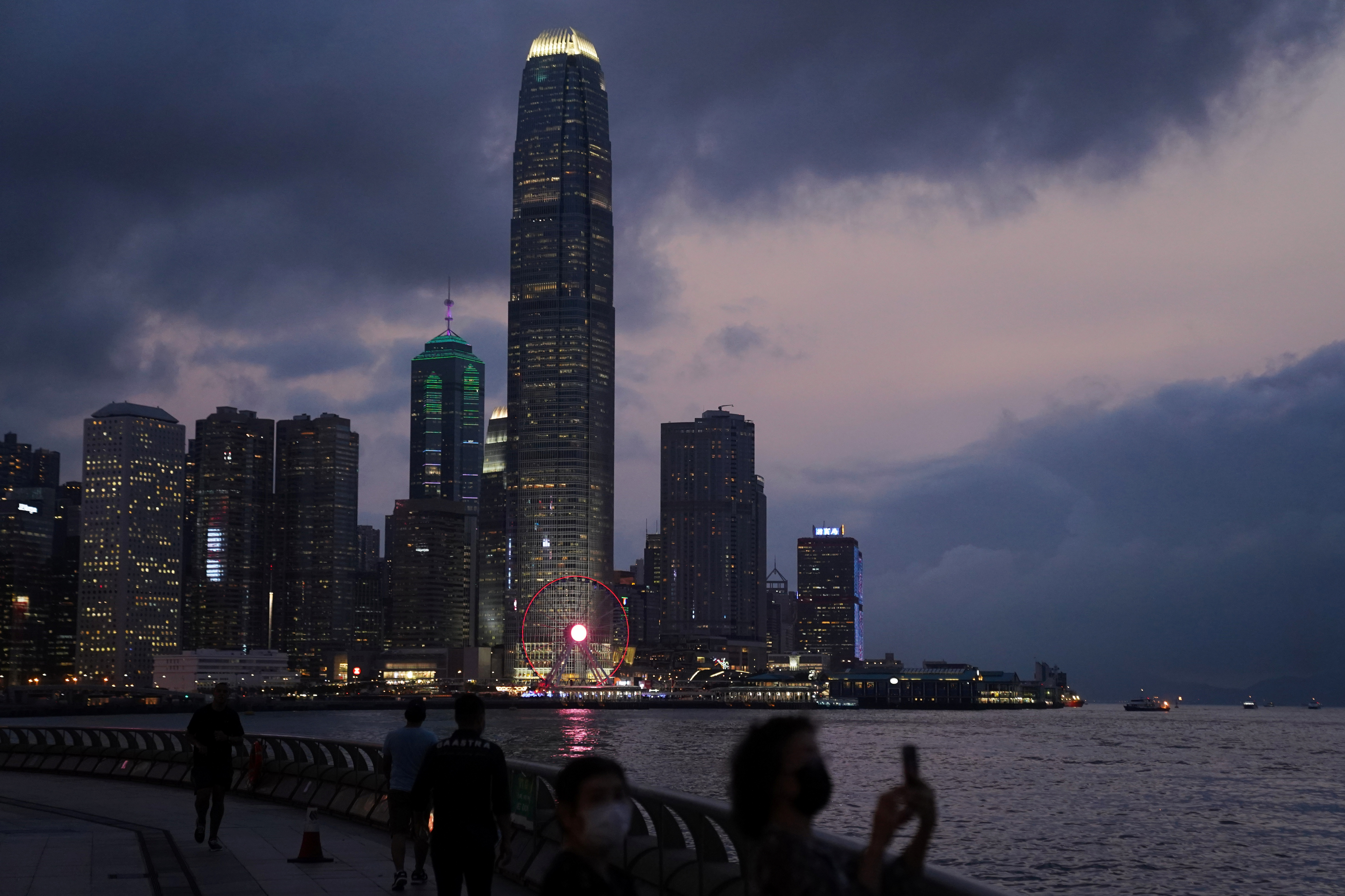 Top execs of HK financial firms can get quarantine exemption