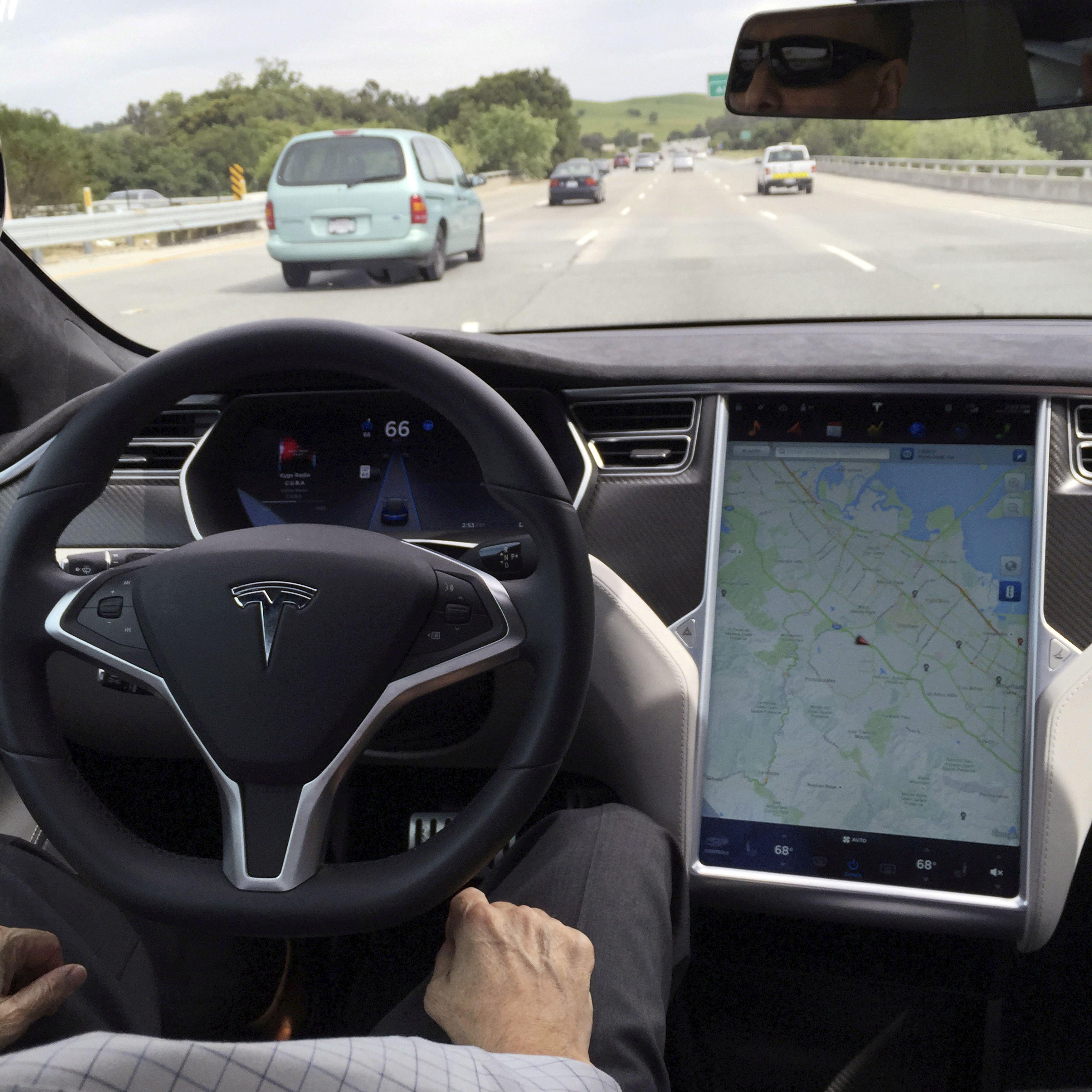 Explainer: Tesla drops radar; is Autopilot system safe?