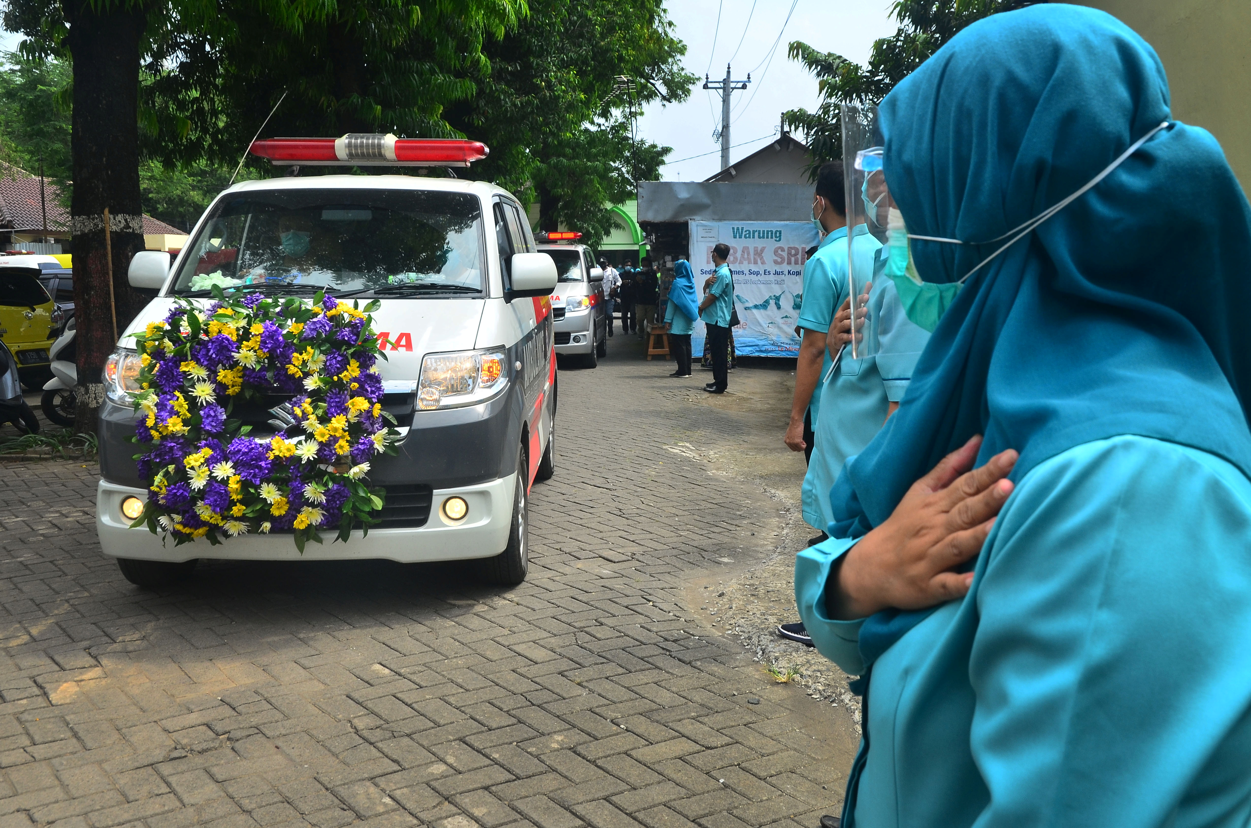 Indonesia reinforces hospitals amid worrying COVID-19 surge in some areas