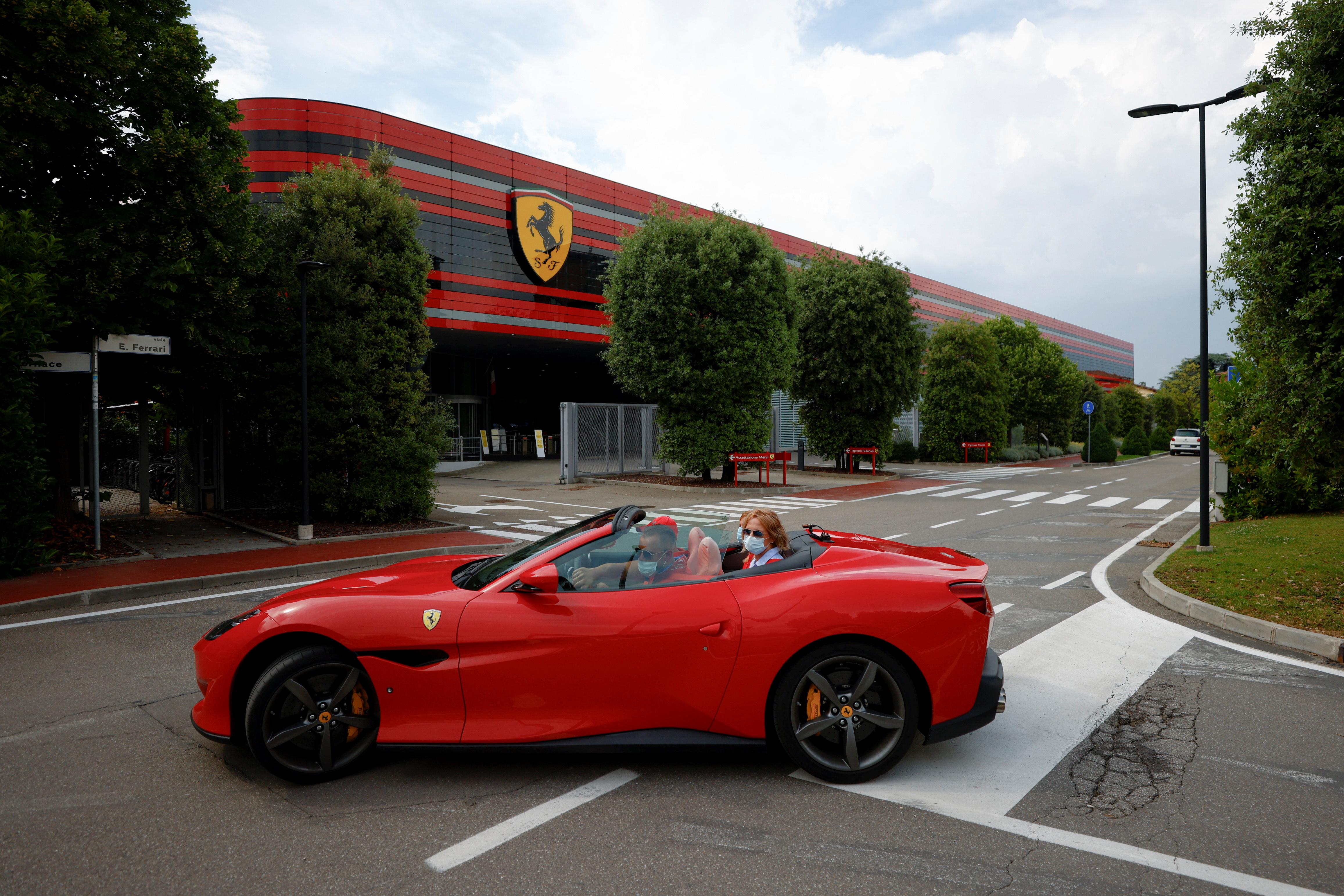 Ferrari launches its fashion collection