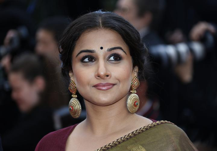"""FILE PHOTO: Jury Member actress Vidya Balan poses on the red carpet as she arrives for the screening of the film """"Inside Llewyn Davis"""" in competition during the 66th Cannes Film Festival in Cannes May 19, 2013. REUTERS/Eric Gaillard"""