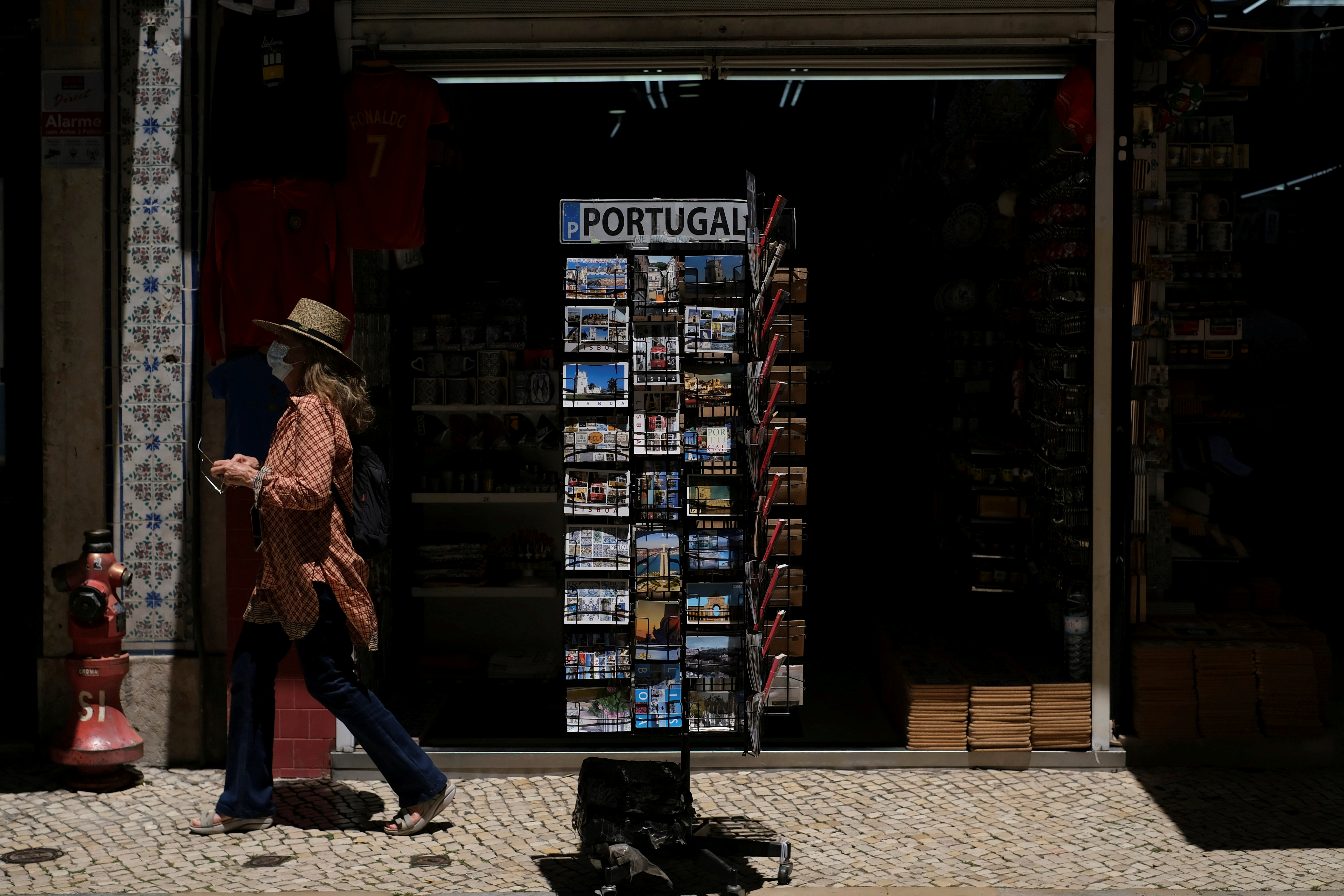 Delta variant 'spreading rapidly' from Lisbon to rest of Portugal