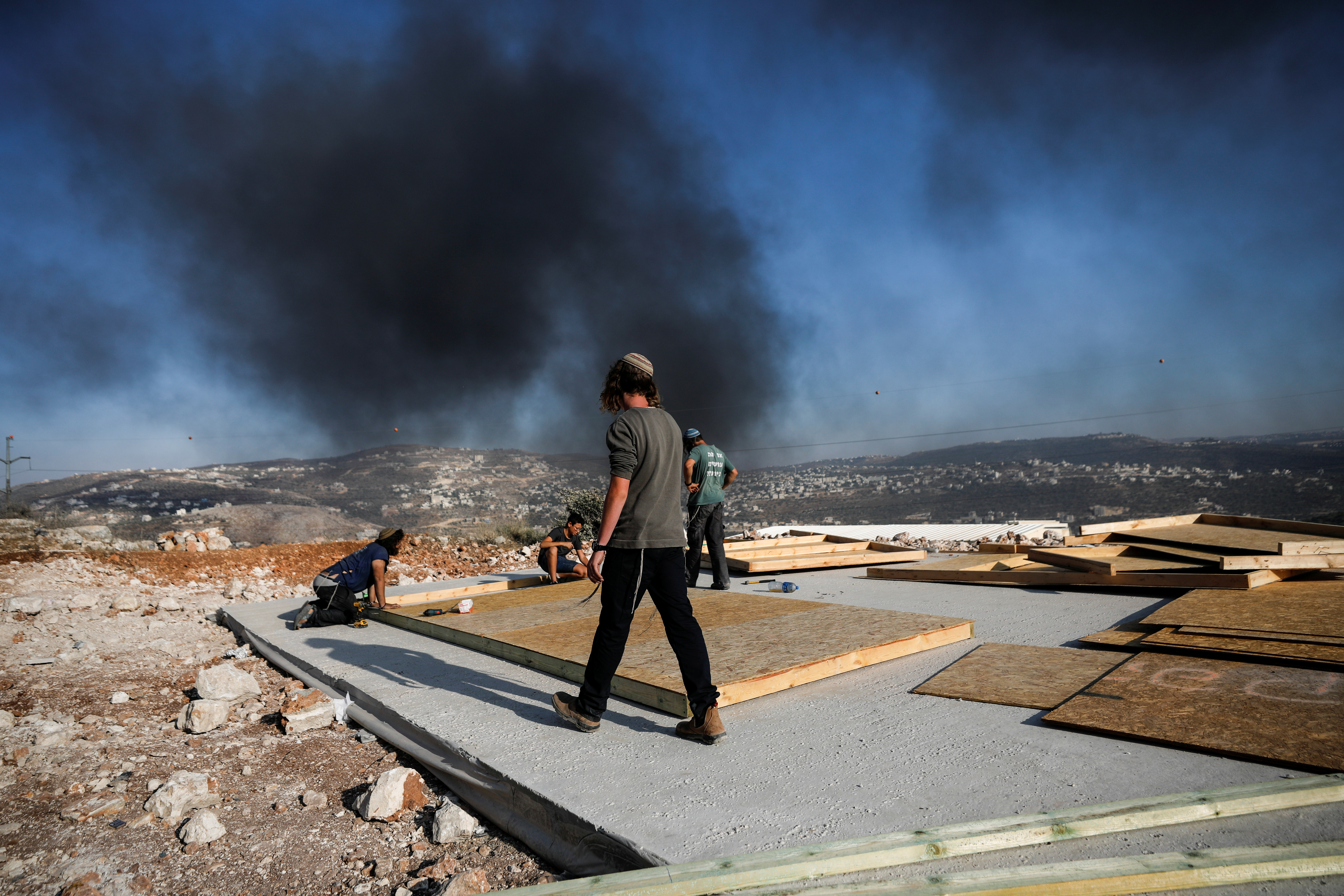 Israeli gov't and settlers reach deal over West Bank outpost, Pal