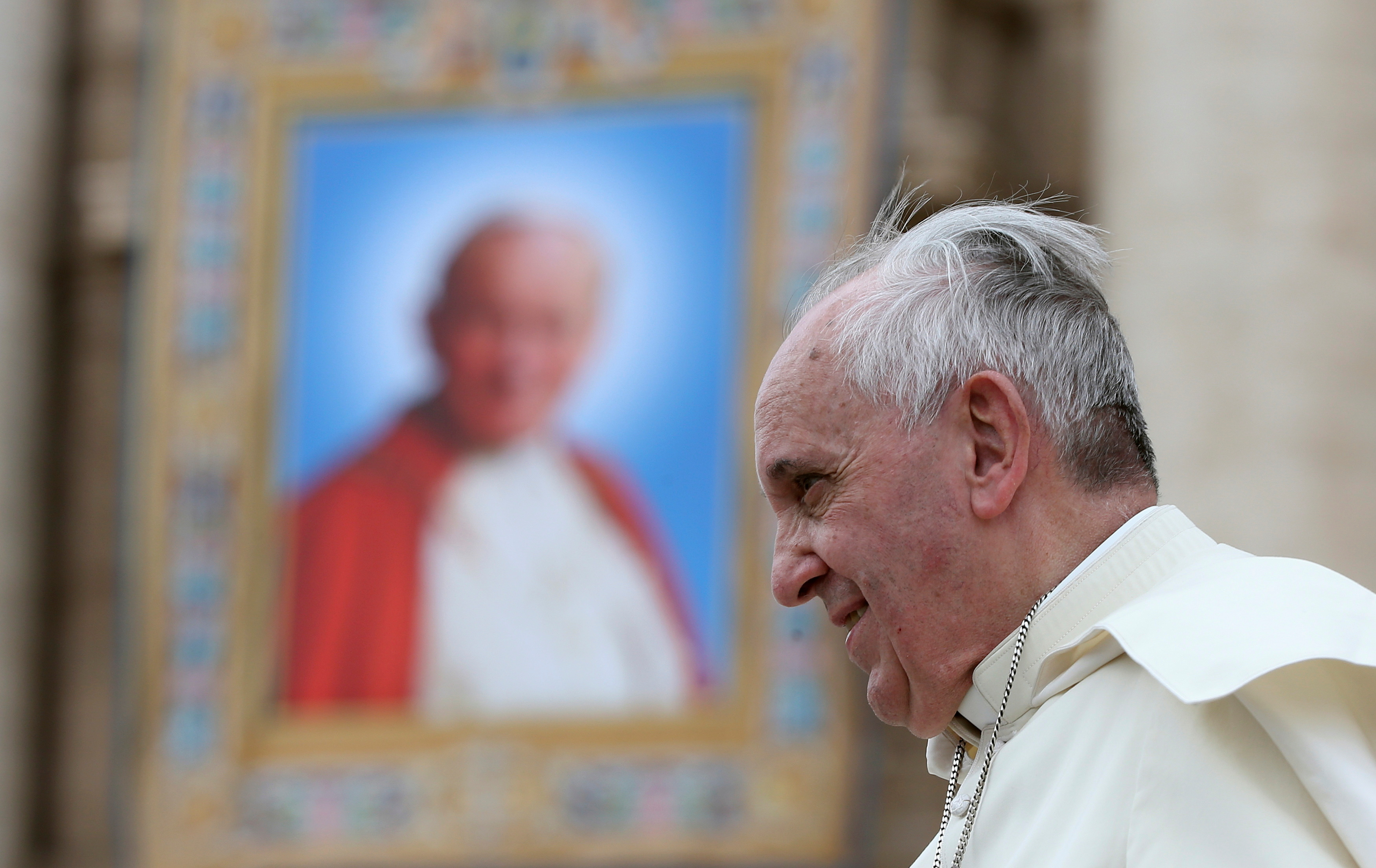 Two popes, same hospital, different styles of medical privacy
