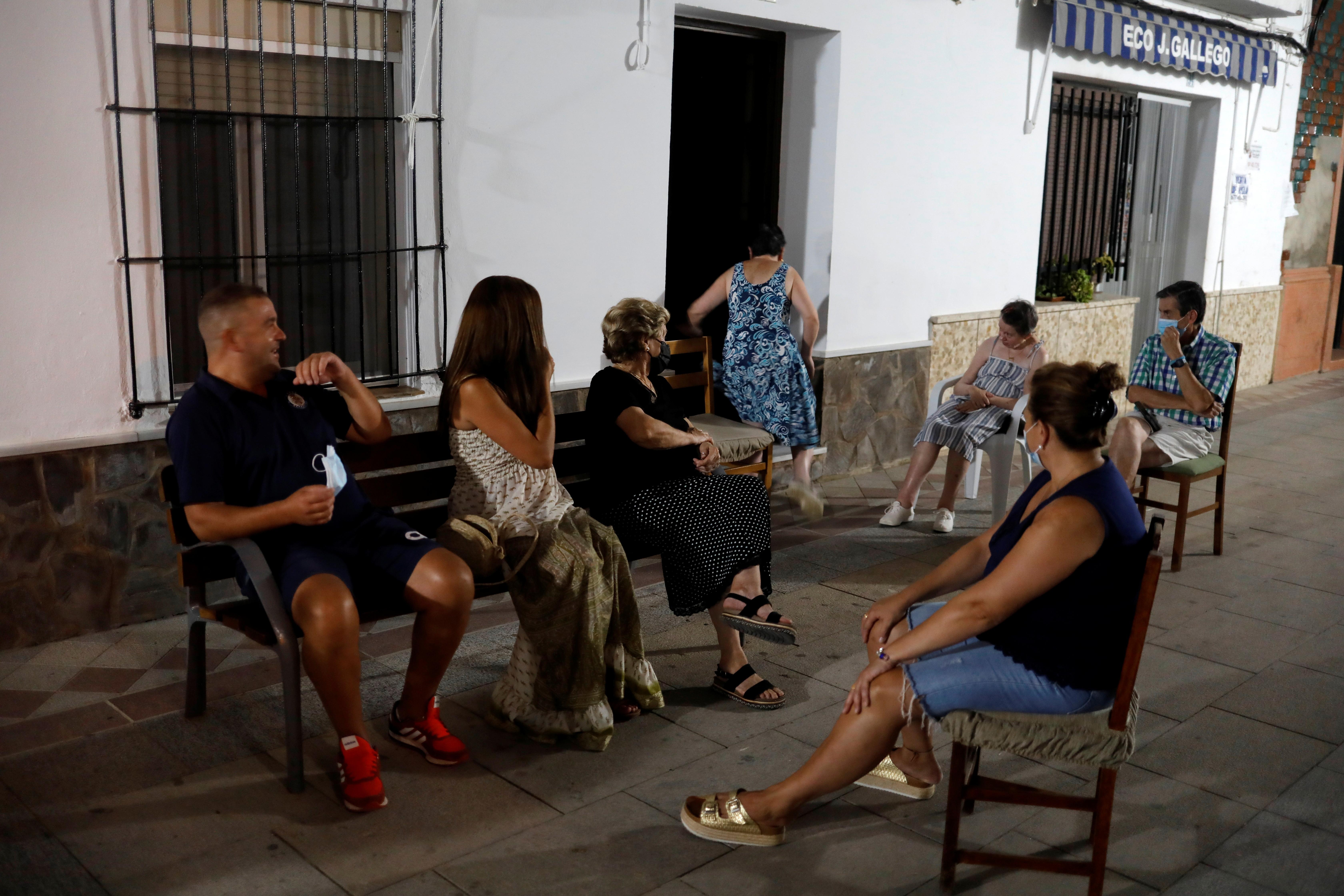 Spanish town takes neighbourly chats 'al fresco' to UNESCO