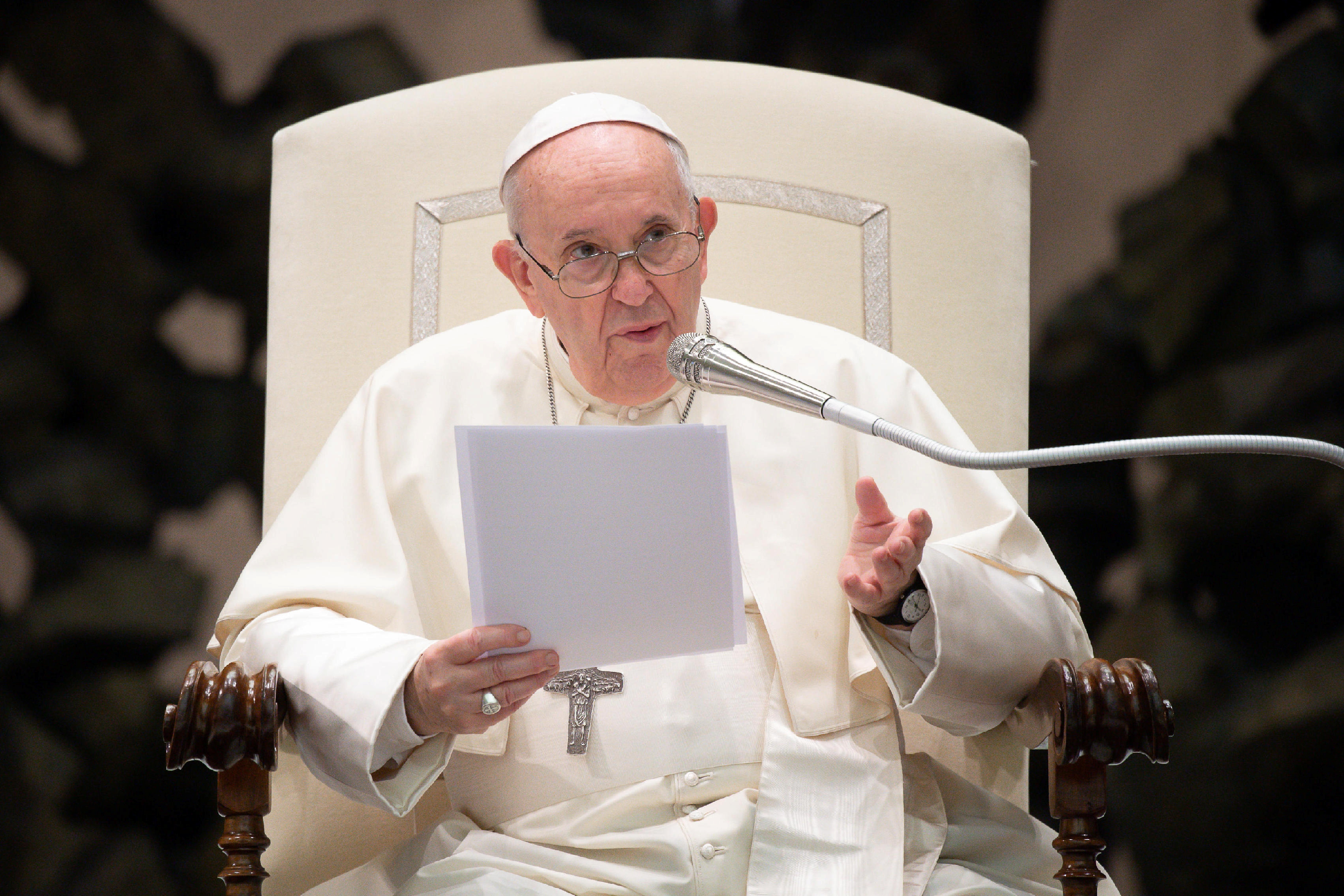 Pope Francis urges everyone to get COVID-19 vaccines for the good of all