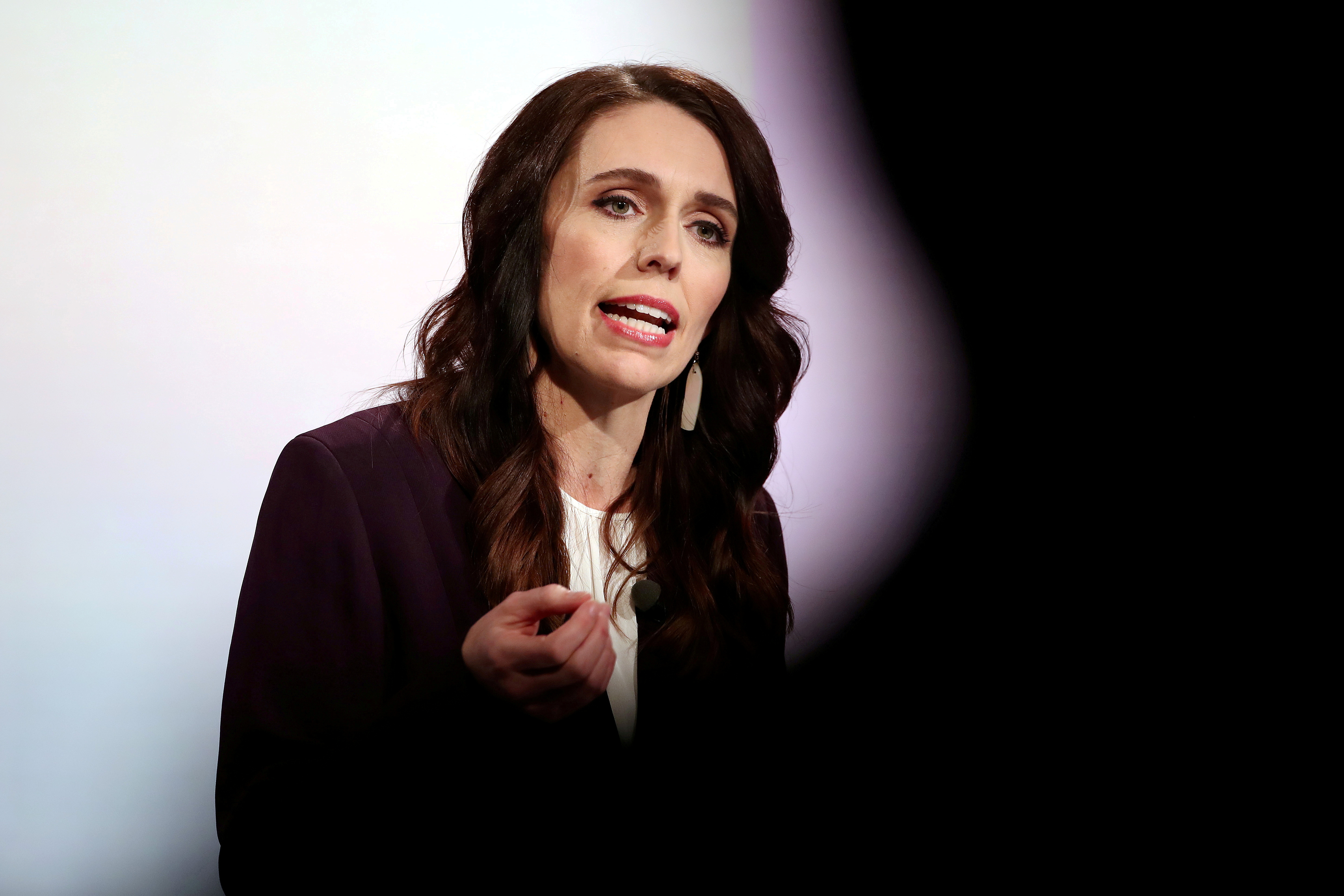 New Zealand PM Ardern extends nationwide COVID-19 lockdown