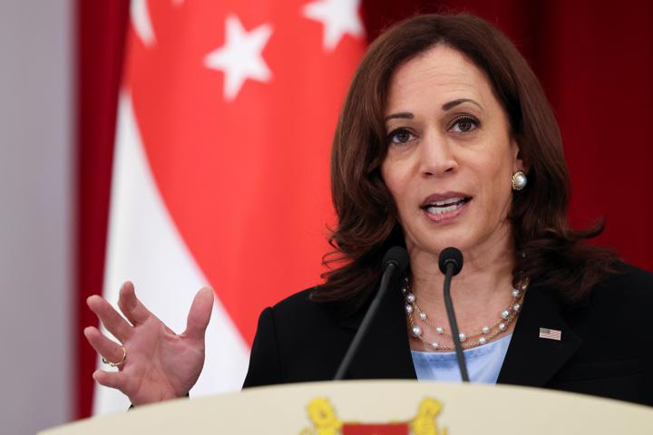 U.S. Vice President Kamala Harris and Singapore's Prime Minister Lee Hsien Loong (not pictured) hold a joint news conference in Singapore, August 23, 2021. REUTERS/Evelyn Hockstein/Pool