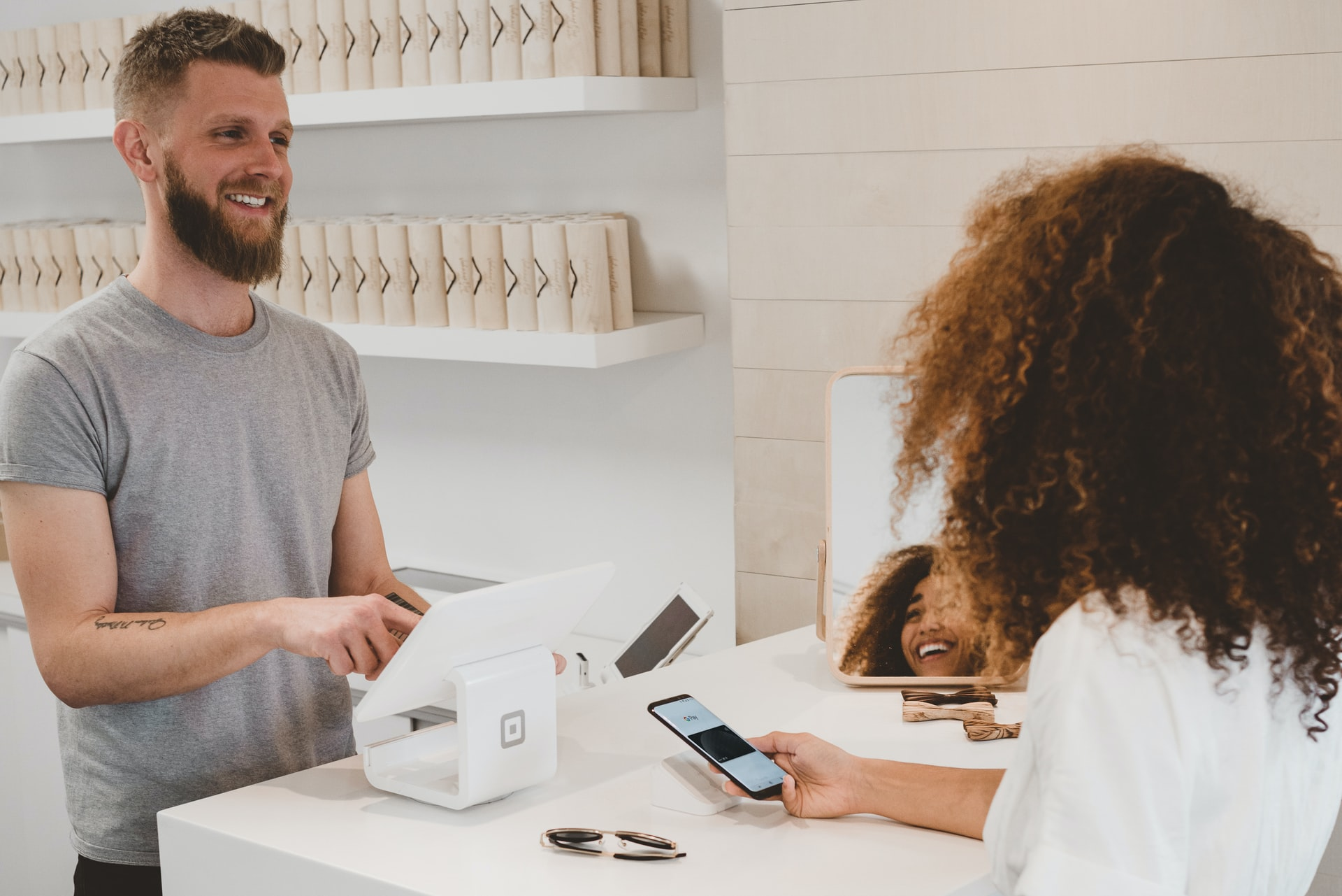 How to Use Artificial Intelligence To Improve Customer Experience