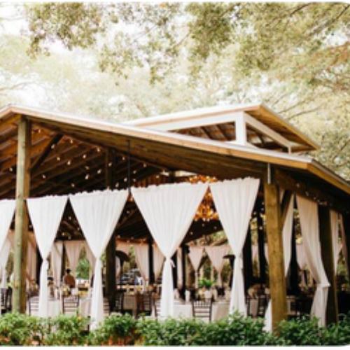 11 Rustic Ideas for a Barn Wedding That You'll Love