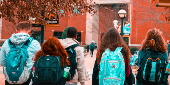 5 Healthy Ways Students & Parents Can Prepare For The College Transition