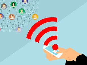 Connecting to a network of people using a smartphone